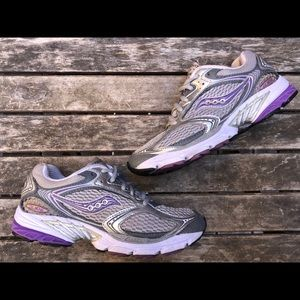 Saucony pro grid running shoes sneakers